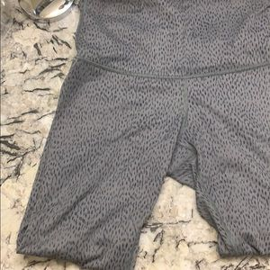 Lululemon crop pants -size medium